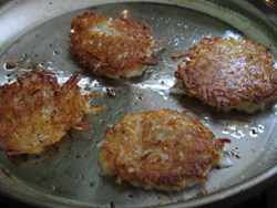 frying-latkes-2